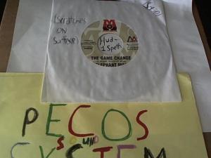 Hud-2 vinyl photos 1066