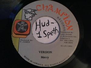 Hud-2 vinyl photos 2199