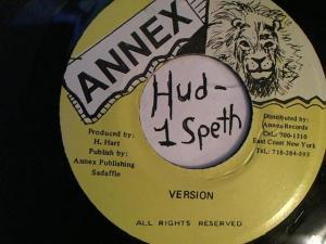 Hud-2 vinyl photos 2265
