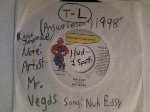 Hud-2 vinyl photos 2405