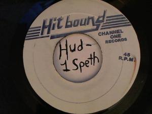 Hud-2 vinyl photos 4618