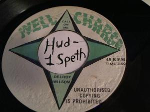 Hud-2 vinyl photos 756